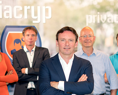 Unsere Firma - Patrick van den Bos | Viacryp